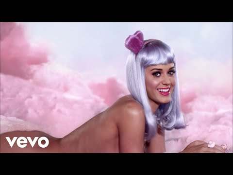Katy Perry - California Gurls (Official Music Video) ft. Snoop Dogg